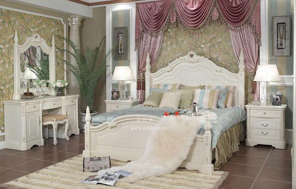 基本上家家户户女主人的卧室都缺少不了梳妆台,梳妆台不仅能方便女人